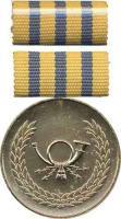 B.0233b Verdienstmedaille Post Gold