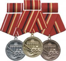 B.0183-185 Verdienstmedaillen Kampfgruppen