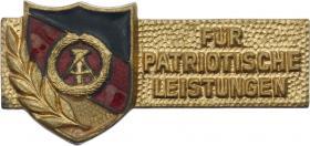 B.3704c Ehrennadel Nationale Front Gold