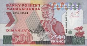Madagaskar P.72Ab 2500 Francs = 500 Ariary (1995) (1)
