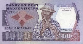 Madagaskar P.68 1000 Francs = 200 Ariary (1983-87) (1)