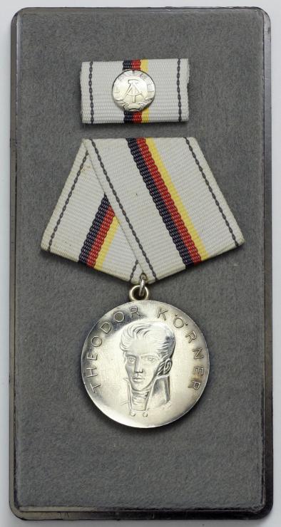 B.0044c Theodor-Körner-Preis (silberfarben)